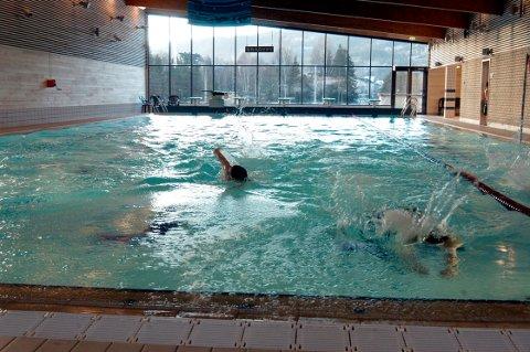 AUGUST: Tinfos Bad vil holde stengt fram til midten eller slutten av august, og i sommer skal terapibassenget opprustes.