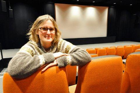 MYK START: Kinosjef Hilde Hem gleder seg over at kinoen på lørdag igjen kan åpnes etter korona-restriksjonene. Men det blir en myk start. (Arkivfoto)