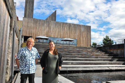 Lite, men hyggelig: Jostein Forsberg og Mari Beate Sannes inviterer til bluesweekend, og håper lokalbefolkningen møter opp.