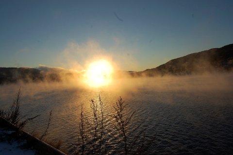 SOL: Torsdag er det godt mulig at du igjen vil få oppleve sol og plussgrader, og dermed en flott avslutning på årets vinterferie med tanke på været.