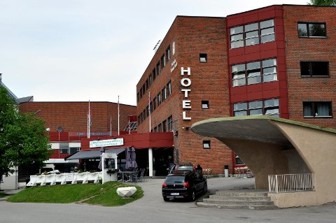 TØFFE TIDER: Hotellet i Notodden er nå bare åpent i ukene, og i snitt er det gjester bare på fire rom per dag. Kun hotelldirektøren og en nattevakt har jobb her for tiden, mens 10-12 andre ansatte er permittert.