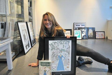 Tora Øidvin Greve, også kjent som Illutora, har i mange år illustrert omslag for kunder som Ascehoug og Gyldendal. Nå stiller hun ut for første gang egne prints og tegninger.