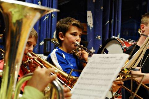 Som far, så sønn. Olav Birkelund spiller trombone i Frei skolekorps.