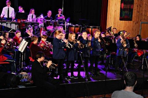Frei Skolekorps var i godt slag på jubileumskonserten