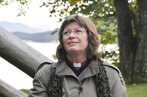 Biskop Ingeborg Midttømme.