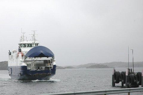 Smølaferga: Edøya–Sandvika trafikkeres i dag av 50-bilersferga «Edøyfjord».