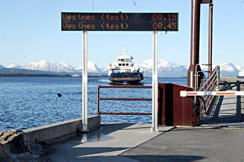 Over Romsdalsfjorden skal det være fire ferger med krav om to helelektriske og to som skal kunne ta ladning på hver tur og med biodrivstoff eller LNG som alternativ til elektrisitet.