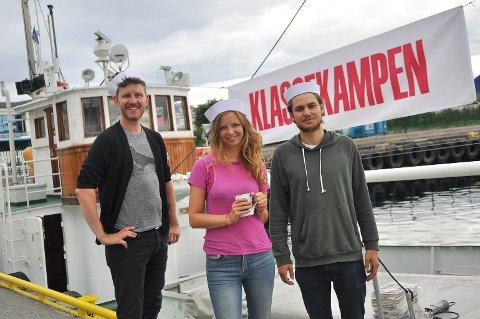 Skip O'hoi! - Jens Kihl, Maria Dyrhol Sandvik og Truls Drageset Dydland har ankommet til Kristiansund med Klassekamp-båten MK «Erkna».