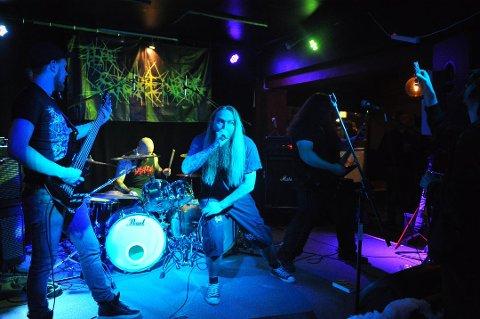 Kristiansundsbandet The Sickening skal atter forpeste byen. Førstkommende lørdag byr de opp til Halloween-konsert på Havnekontoret.