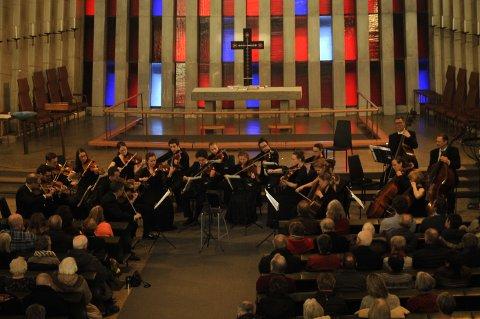 Trondheimsolistene leverte både bredde og kvalitet av ypperste merke da de besøkte Sunndal og Kristiansund under Operafestukene. Her fra Kirkelandet kirke lørdag ettermiddag.