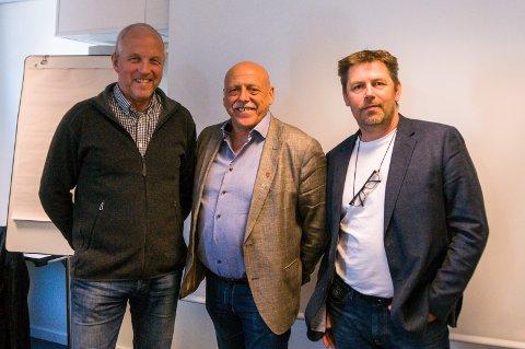 Halsa-ordfører Ola Rognskog, Hemne-ordfører Odd Jarle Svanem og varaordfører Bernt Olaf Aune i Snillfjord kommune. Svanem er også leder for fellesnemnda for nye Heim kommune.