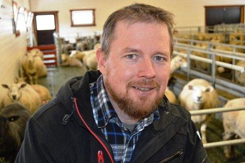 Leder i Møre og Romsdal Bondelag, Oddvar Mikkelsen, sier at «dette raserer ned livsgrunnlaget vårt».