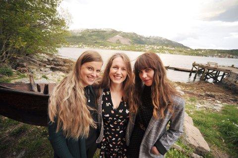Trio: Leder av Musikklikarlauget, Vanessa Hagen, kunne smile fra øre til øre etter en kveld med disse to damene. Monika Gammelsæter (t.v.) og Ida Jenshus (t.h.).