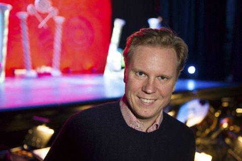 Espen Langvik gleder seg til å treffe gamle kjente i Kristiansund når Operaen arrangerer sommerfest. (Foto: Torstein Ihle)