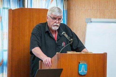 Stein Kristiansen på talerstolen i bystyret