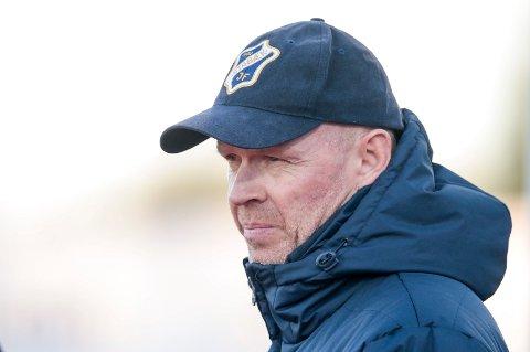Henning Berg gir seg som Stabæk-trener og flytter til Kypros.