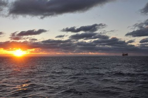 Equinor sitt havvindprosjekt Hywind, der det planlegges å montere 11 vindturbiner i Nordsjøen, møter motstand fra organisasjonene Fiskarlaget og Fiskebåt.