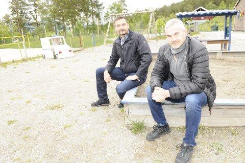 Per Jostein Halset (til høyre) fikk flest stemmer av arbeiderpartiets kandidater i Gjemnes, og kan derfor være aktuell som varaordfører hvis tilbudet kommer fra SP. Også Erik Bakke fra Fremskrittspartiet kom inn i det nye kommunestyret.