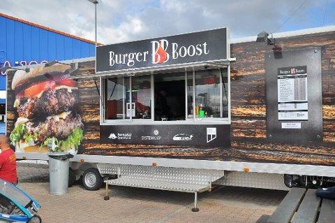 Burger Boost har lenge stått utenfor Rema 1000 på Løkkemyra. 5. november 2019 ble det klart at boden må flytte.