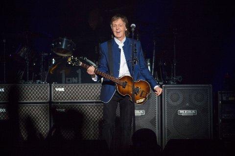 Den håndskrevne versjonen av sangen «Hey Jude», ført i pennen av Paul McCartney, gikk for en høy pris på auksjon.