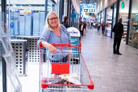 Anita Kristoffersen er en av mange som handlet ved Charlottenberg shoppingcenter da den svenske regionen Värmland ble erklært «grønn».