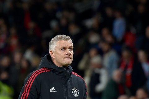 Ole Gunnar Solskjær var betenkt etter Manchester Uniteds 0-5-tap for Liverpool.