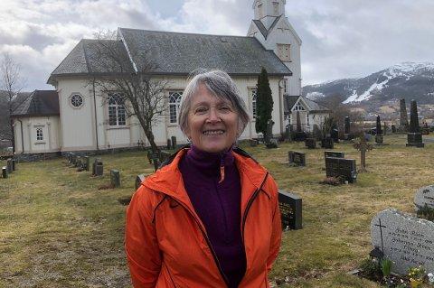 150 ÅR: Maret Heggset, leder i Øye og Ranes sokneråd, håper det lar seg gjøre å gjennomføre planene for markeringen av 150-årsjubileet for både Øye og Ranes kirke.