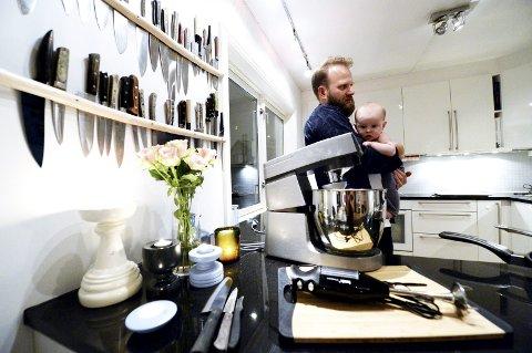Hører hjemme: Ikke overfyll kjøkkenet med utsyr, nips og rot. Ryddig benk og barn er derimot anbefalt.