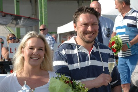 """SAMBOERE: Maria Widnes og Stian Hallenstvedt heier på """"sin"""" superhoppe i storløpet søndag."""