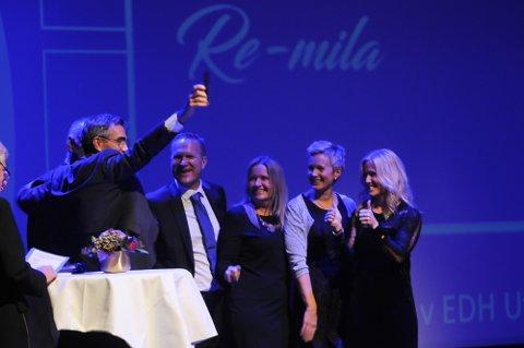 JUBELKVELD: Lørdag kveld samles Vestfold-idretten til fest i Oseberg kulturhus. Hvem som stikker av med prisene kan du se direkte på tb.no. I fjor fikk Re-mila prisen for årets arrangement.