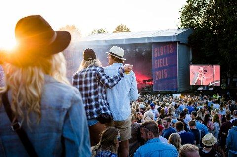 MEST: I 2015 ble det solgt nesten 84.000 liter alkohol under Slottsfjellfestivalen. Det er klart mest totalt og per hode sammenlignet med Stavernfestivalen og Fjordfesten.