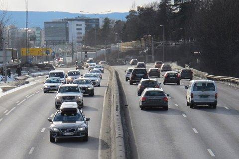 Rundt tusen kjøretøyer bulker hver dag i Norge, viser forsikringsstatistikken. Da må det skrives skademelding. (Foto: Pressebilde/ANB)