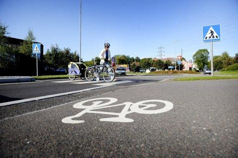 SATSING: Fylkestinget vil styrke satsingen på bygging av gang- og sykkelveier.