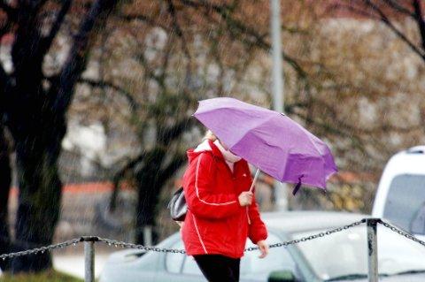 PLASK! Du må regne med regn denne uka.