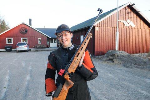 JEANETTE HEGG DUESTAD, SKYTING: Gull i lag i junior-VM. Bronse individuelt.