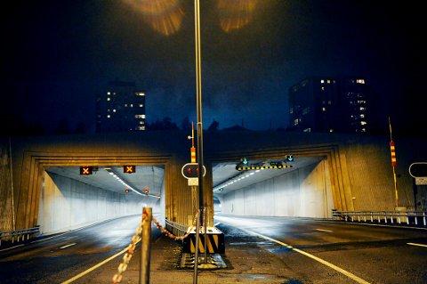 Frodeåstunellen er stengt torsdag formiddag. Foto: Anne Charlotte Schjøll
