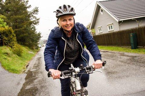 FABEALKTIG: Hilde Viker Berntsen i Syklistenes landsforening synes det er fabealktig med de foreslåtte tiltakene i Tønsberg, men presiserer at det viktigste er å lage egne sykkeltraseer for å bedre fremkommeligheten for tohjulingene.
