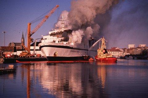 "159 mennesker omkom i brannen om bord i passasjerferjen ""Scandinavian Star"". Foto: Tor Arne Dalsnes / NTB scanpix"