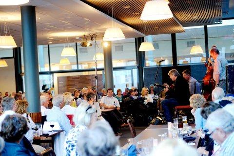 STORBRUKER: Tønsberg Jazzklubb har over 1000 medlemmer og er en aktiv bruker av Oseberg kulturhus. Her spiller Hot Club de Norvége i restauranten.