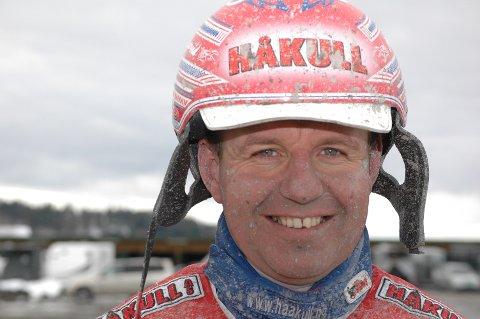 TIL TOPPS: Åsbjørn Tengsareid var beste travkusk på Leangen St Hans helgen da han sikret seg sin fjerde NM-tittel som kusk.