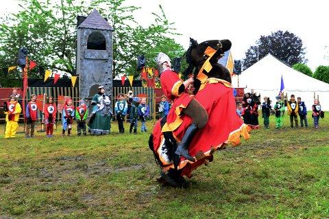 RIDDER-TID: I år blir det fri entre for alle som vil oppleve Tønsberg Middelalderfestival og for eksempel delta på en ridderskole, slik som på dette bildet fra 2017.