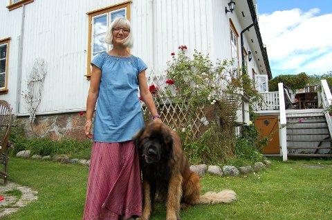 Frederikke Møller er regresjonsterapeut og mener hun kan ta deg med tilbake til dine tidligere liv.