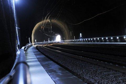 TID: Blant forstudiens seks varianter i Jarlsberg-korridoren, er det bare variant 1B-4 med ombygget jarlsbergtunnel som sparer reisetid.