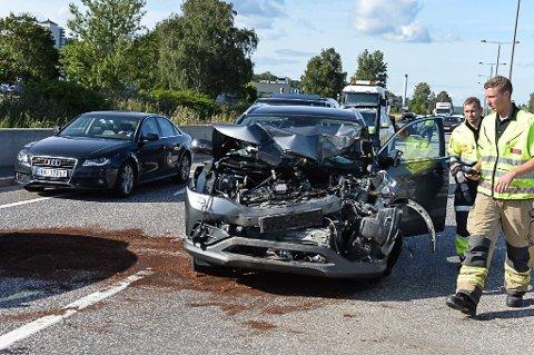 SMELL: Airbag ble utløst da denne bilen kjørte inn i et vogntog.