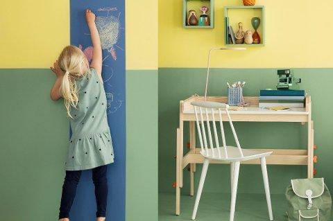 Tavlemaling er morsomt og praktisk innslag på barnerommet.