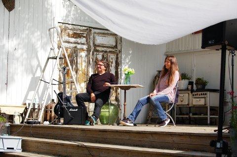 VARME FØLELSER: Espen Beranek Holm og Claudia Scott spiller paret som opplever at gammel kjærlighet aldri rustet.