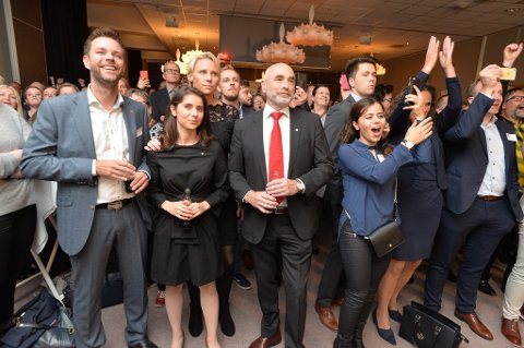 JUBLET IKKE: Arbeiderpartriet jublet ikke da de så den første prognosen, i motsetning til Fremskritspartiet i Vestfold.