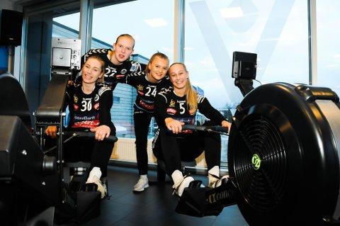 MANGE ØKTER: Framgangen kommer ikke av seg selv. Flint-jentene legger ned mye trening både i hallen og i treningsstudioet. Fra venstre Hanna Nordby, Helle Kierulf, Margareth Stiansen og Stine Norén.