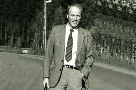 VEIMANN: Johan Lepperød sto i sin tid ansvarlig for utbyggingen av nye E18. Han døde lørdag.