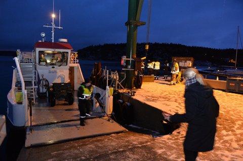 Flere nødetater, politi og brannvesen på plass på Brygga i Tenvik.